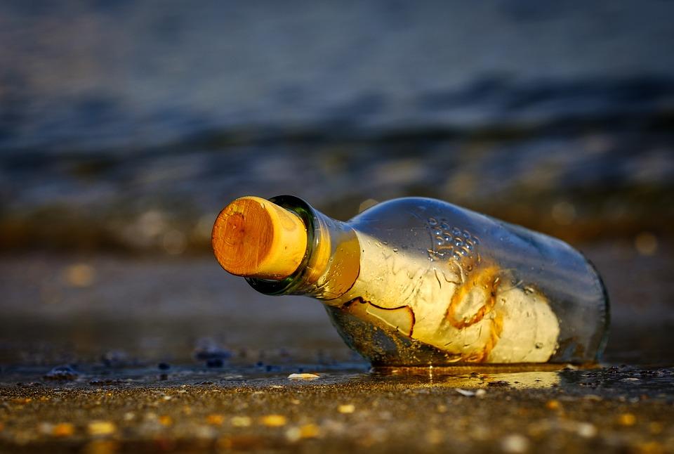 message-in-a-bottle-3437294_960_720